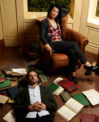 johnny-lee-miller-lucy-liu-elementary-gallery-2-325